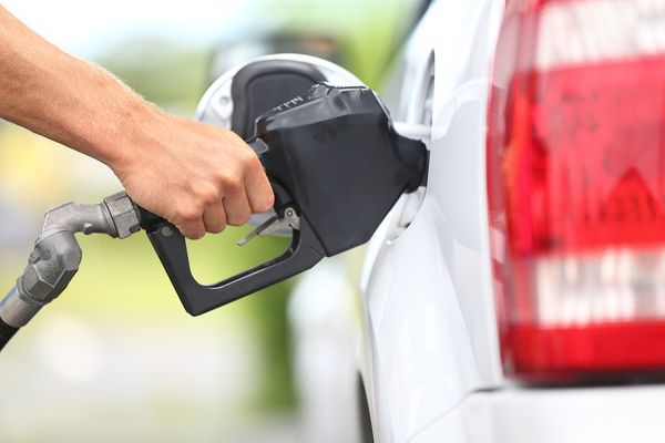 Domestic oil supply, crude oil prices account for increases at the pump